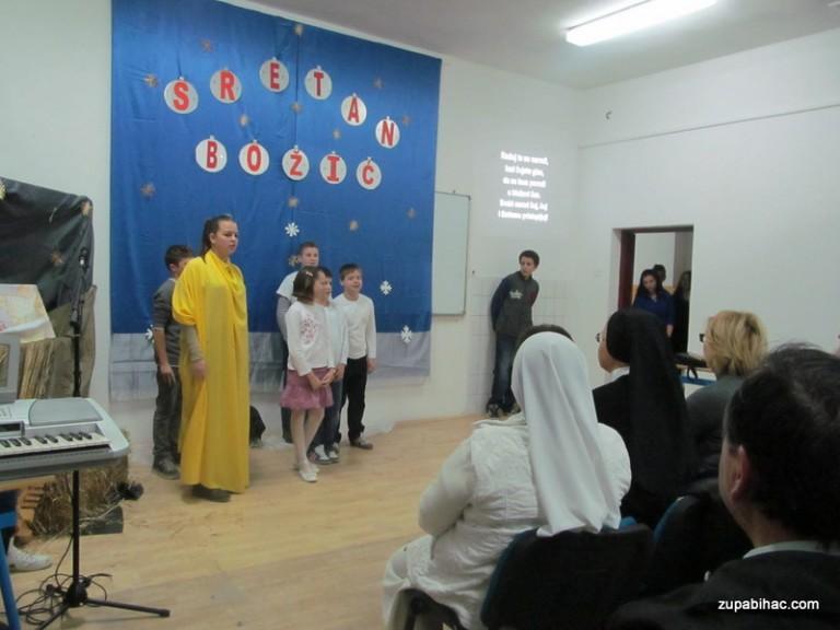 Božićna priredba u područnoj školi Harmani II u Žegaru