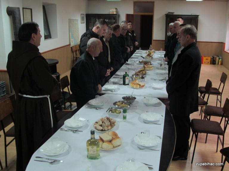 Ručak za prakarature i one koji su bili vodiči kod blagoslova obitelji