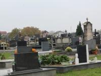 Raspored misa u crkvi i po grobljima